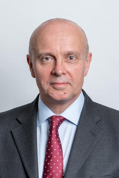 Simon Dukes