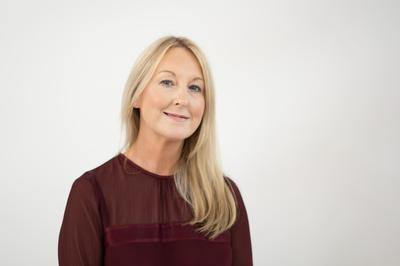 Tracey Robertson