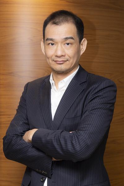 Chen-Yu Lee
