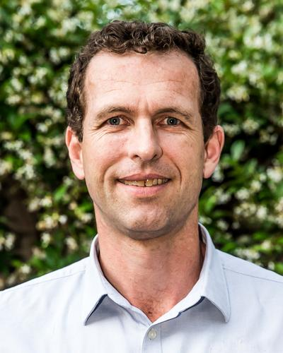 David Butchart, Bachelor of Veterinary Science (USyd); MBA (AGSM)