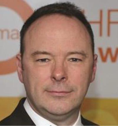 Simon Worthington